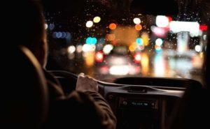 Tips voor autorijden in het donker